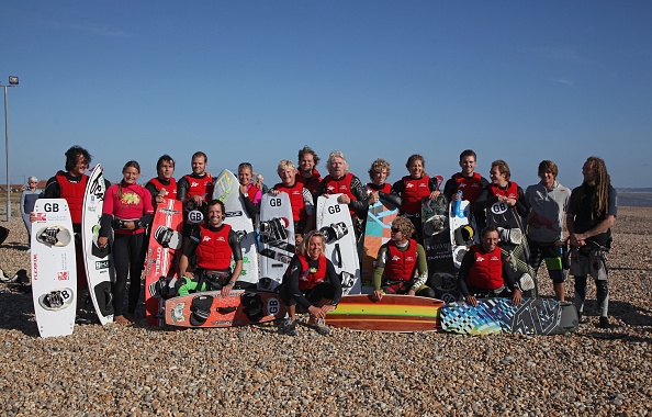 Dan Kitwood「Richard Branson Celebrates Birthday With Channel Kite Surfing Challenge」:写真・画像(18)[壁紙.com]