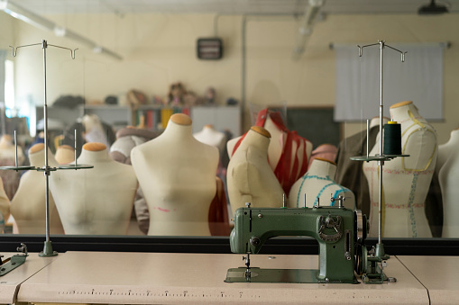 Mannequin「Dressmaker's models and sewing machine in fashion designer's studio」:スマホ壁紙(6)