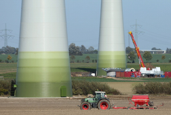 Planting「Electricity Prices To Rise Due To Renewable Energy Investments」:写真・画像(17)[壁紙.com]