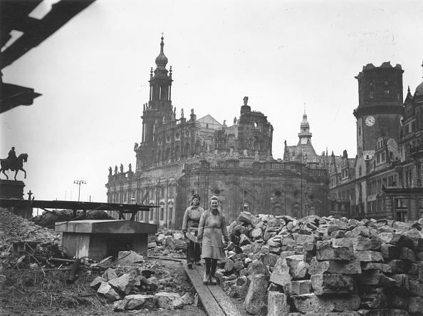 Bomb Damage「Dresden In 1946」:写真・画像(13)[壁紙.com]