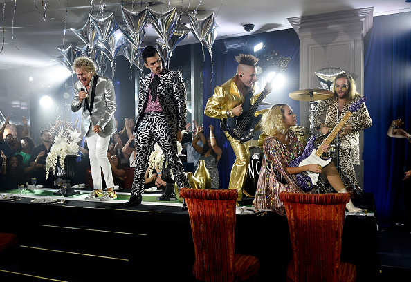David Becker「Sir Rod Stewart and DNCE Perform from Las Vegas for the 2017 VMAs」:写真・画像(6)[壁紙.com]