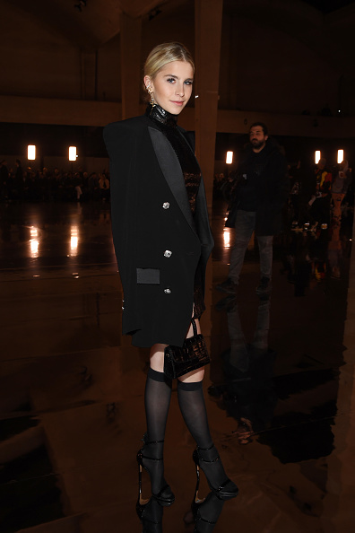 Knee Length「Balmain Homme : Front Row - Paris Fashion Week - Menswear F/W 2019-2020」:写真・画像(4)[壁紙.com]
