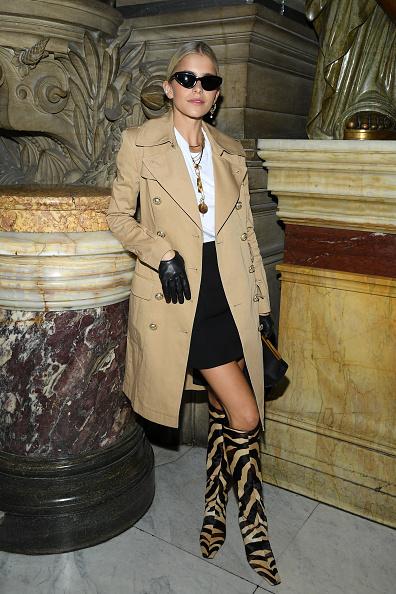 Glove「Balmain : Front Row -  Paris Fashion Week - Womenswear Spring Summer 2020」:写真・画像(12)[壁紙.com]