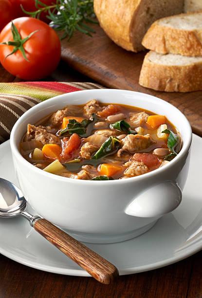 Vegetable soup with sausage:スマホ壁紙(壁紙.com)