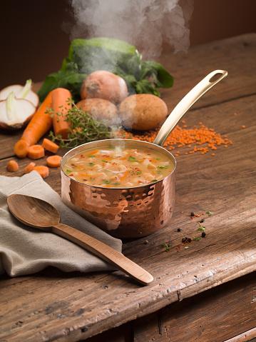 Bouillon「Vegetable Soup on wooden table.」:スマホ壁紙(4)
