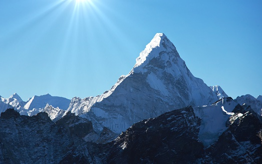 Ama Dablam「Ama Dablam mountain covered with snow」:スマホ壁紙(10)