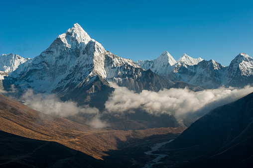 Ama Dablam「Ama Dablam seen from the Cho La pass in the Khumbu region of Nepal」:スマホ壁紙(0)