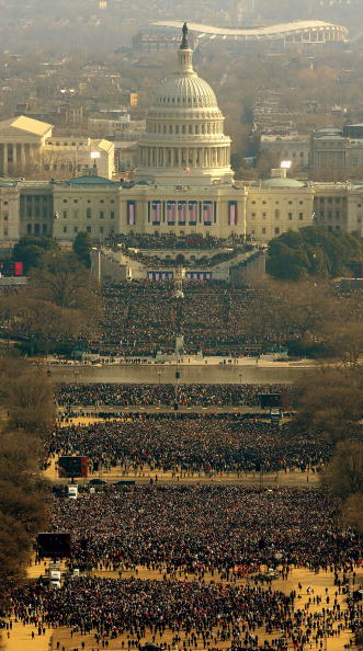 Crowd「Barack Obama Is Sworn In As 44th President Of The United States」:写真・画像(18)[壁紙.com]