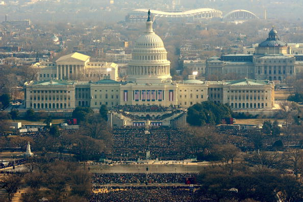 Presidential Inauguration「Barack Obama Is Sworn In As 44th President Of The United States」:写真・画像(14)[壁紙.com]