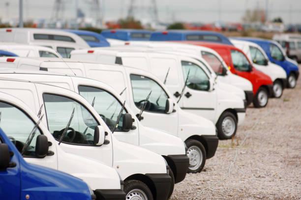 New fiat doblo cargo vans parked at Avonmouth docks near Bristol, UK:ニュース(壁紙.com)