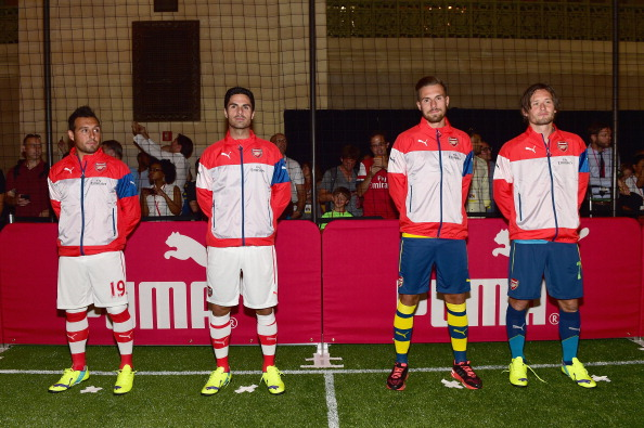 Aaron Ramsey「PUMA Partners With Arsenal Football Club To Debut Monumental Cannon In Grand Central Station」:写真・画像(12)[壁紙.com]