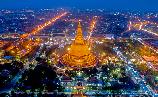 Buddhism「Large golden pagoda Thailand」:スマホ壁紙(13)