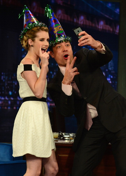 """Focus On Foreground「Emma Roberts Visits """"Late Night With Jimmy Fallon""""」:写真・画像(2)[壁紙.com]"""