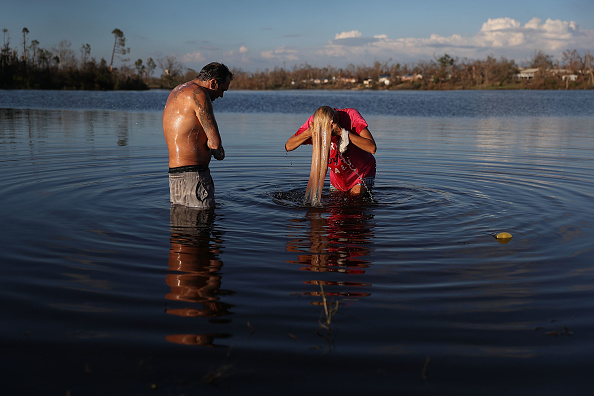 Lisa Lake「Recovery Efforts Continue In Hurricane-Ravaged Florida Panhandle」:写真・画像(0)[壁紙.com]