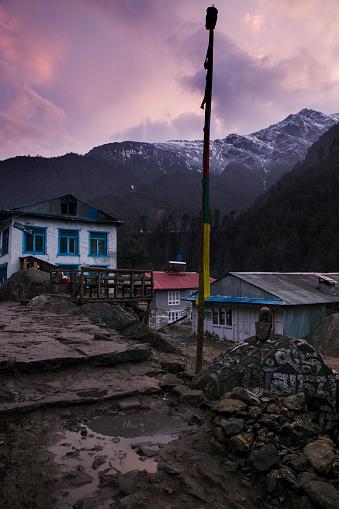Khumbu「Phakding Village at sunrise, Everest Base Camp Trek, Nepal」:スマホ壁紙(13)