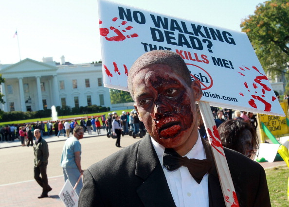 Togetherness「Zombies March On DC To Bring The Walking Dead Back To Dish Network」:写真・画像(1)[壁紙.com]
