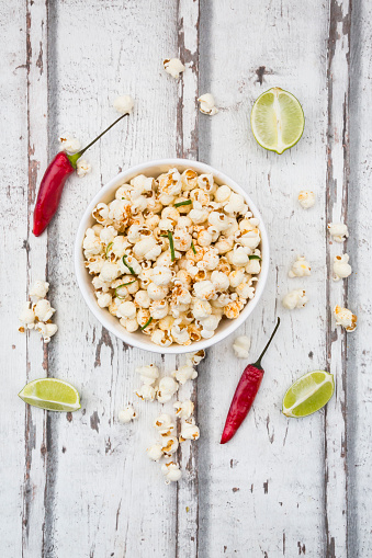 Pepper - Seasoning「Bowl of popcorn flavoured with chili and lime」:スマホ壁紙(7)