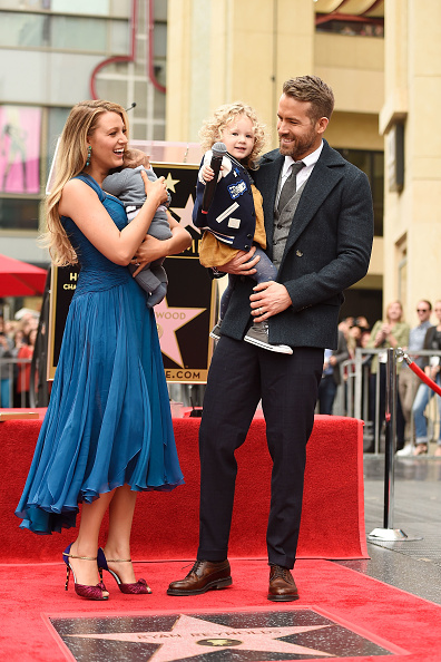 Family「Ryan Reynolds Honored With Star On The Hollywood Walk Of Fame」:写真・画像(2)[壁紙.com]