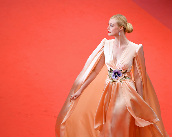 "Elle Fanning「""The Dead Don't Die"" & Opening Ceremony Red Carpet - The 72nd Annual Cannes Film Festival」:写真・画像(10)[壁紙.com]"
