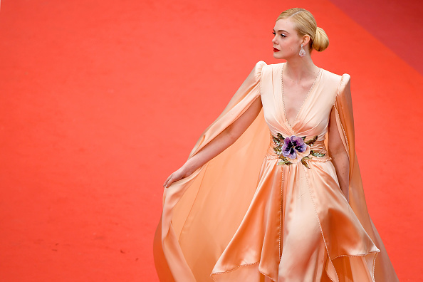 "Elle Fanning「""The Dead Don't Die"" & Opening Ceremony Red Carpet - The 72nd Annual Cannes Film Festival」:写真・画像(1)[壁紙.com]"
