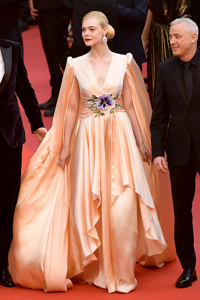 "Elle Fanning「""The Dead Don't Die"" & Opening Ceremony Red Carpet - The 72nd Annual Cannes Film Festival」:写真・画像(2)[壁紙.com]"