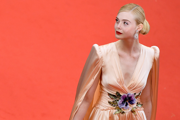 """Elle Fanning「""""The Dead Don't Die"""" & Opening Ceremony Red Carpet - The 72nd Annual Cannes Film Festival」:写真・画像(4)[壁紙.com]"""