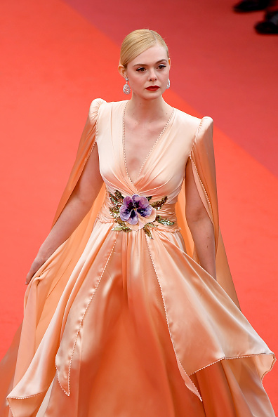 "Elle Fanning「""The Dead Don't Die"" & Opening Ceremony Red Carpet - The 72nd Annual Cannes Film Festival」:写真・画像(7)[壁紙.com]"