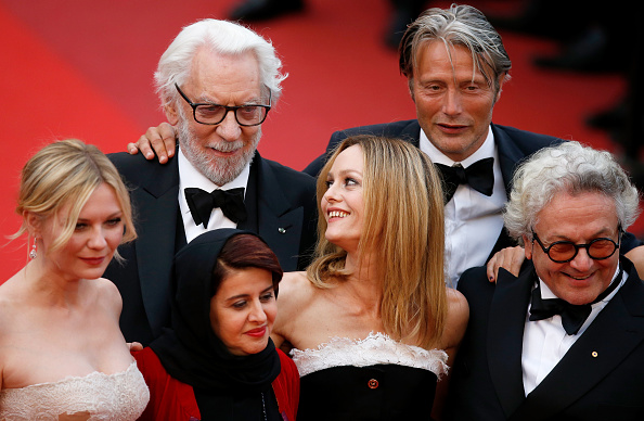 ヴァネッサ・パラディ「Closing Ceremony - Red Carpet Arrivals - The 69th Annual Cannes Film Festival」:写真・画像(17)[壁紙.com]