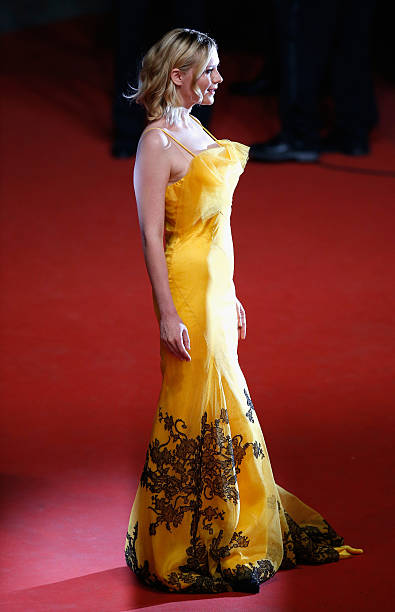 """""""The Neon Demon""""- Red Carpet Arrivals - The 69th Annual Cannes Film Festival:ニュース(壁紙.com)"""