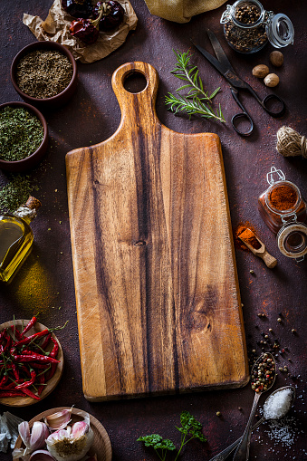 Garlic「Cooking: cutting board with ingredients and spices」:スマホ壁紙(19)