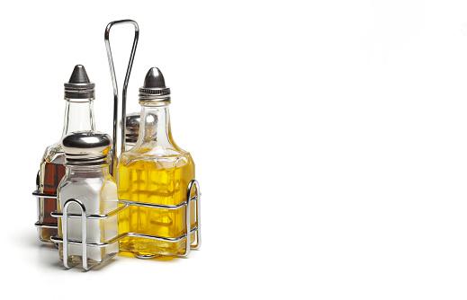 Condiment「Salt, pepper, olive oil and vinegar」:スマホ壁紙(16)