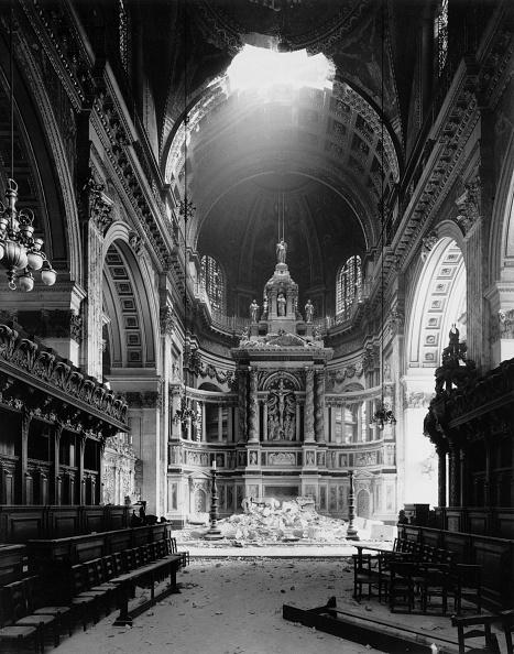 Bomb Damage「St Paul's Bomb Damage」:写真・画像(5)[壁紙.com]