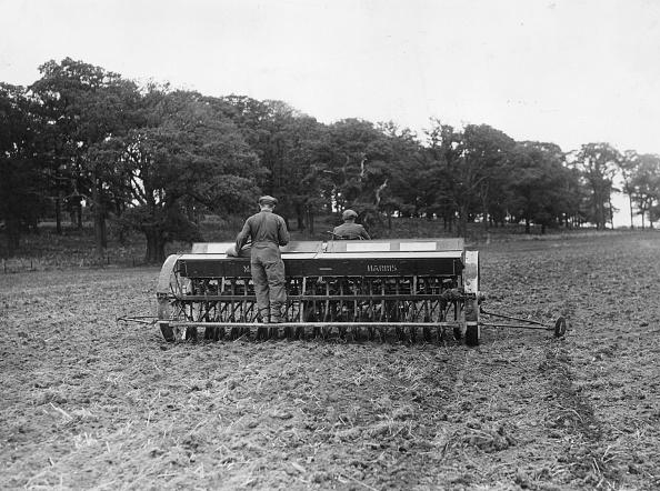 Sowing「Wheat Drill」:写真・画像(18)[壁紙.com]