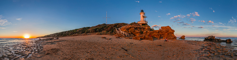 Multiple Exposure「Setting Sun at Point Lonsdale Lighthouse near Queenscliff, Victoria, Australia.」:スマホ壁紙(12)