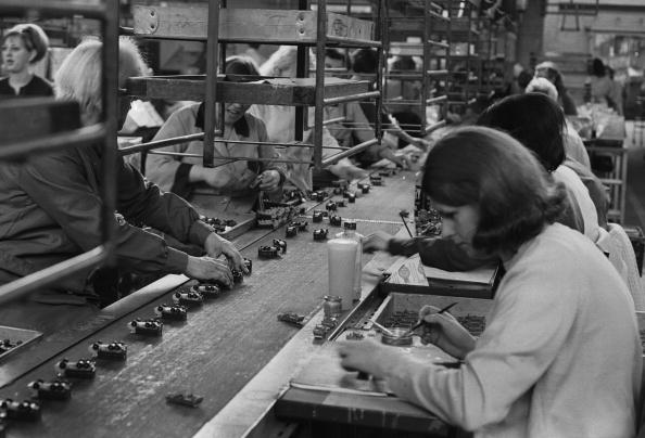 Production Line「Lesney Assembly Line」:写真・画像(16)[壁紙.com]