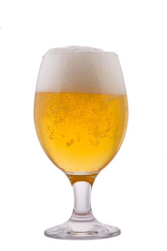 Beer「淹れたての 1 杯のビール、発泡白で分離」:スマホ壁紙(7)