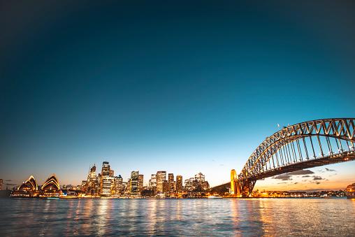 Sydney Harbor「Landscape view of the Sydney Harbor Bridge in the evening」:スマホ壁紙(13)