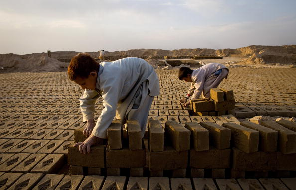 Brick「Thriving Business At Kabul Brick Factory」:写真・画像(9)[壁紙.com]