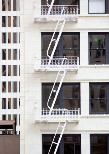 20th Century Style「Elegant old fire escape ladders」:スマホ壁紙(19)