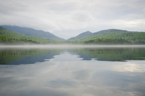 Adirondack Mountains「Mist on lake Placid」:スマホ壁紙(2)