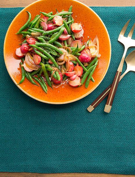 Bowl of green bean & radish salad in orange juice:スマホ壁紙(壁紙.com)
