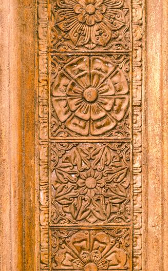 Sri Lanka「Carved wooden panel at Gangaramaya Temple.」:スマホ壁紙(6)