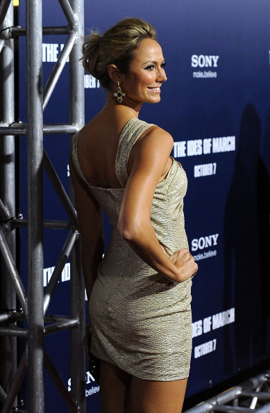 """Mini Dress「Premiere Of Columbia Pictures' """"The Ides Of March"""" - Arrivals」:写真・画像(8)[壁紙.com]"""