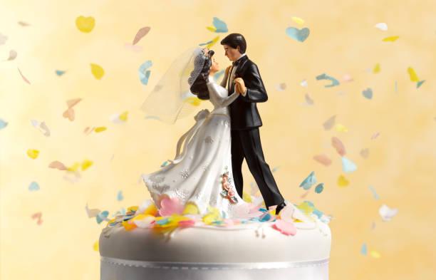 Dancing wedding cake figurines:スマホ壁紙(壁紙.com)