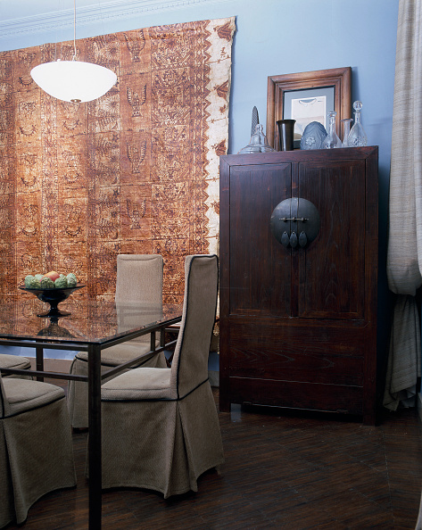 Dining Room「View of a wooden cabinet in a dining room」:写真・画像(15)[壁紙.com]