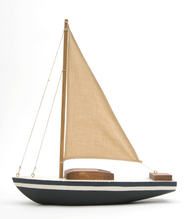 Passenger Craft「Toy boat with a large brown sail」:スマホ壁紙(18)
