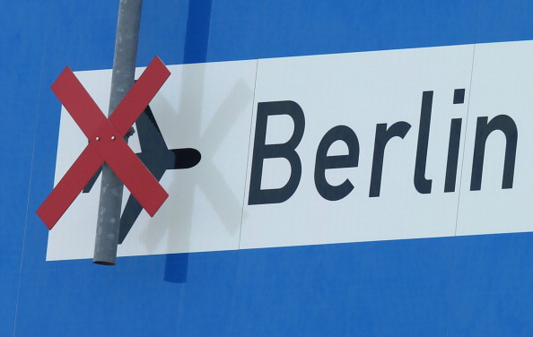 Delayed Sign「Authority Mulls Berlin Airport Future」:写真・画像(7)[壁紙.com]