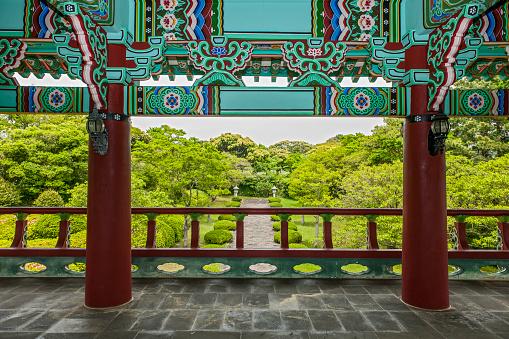 済州島「Temple at Cheonjeyeon falls on Jeju Island」:スマホ壁紙(0)