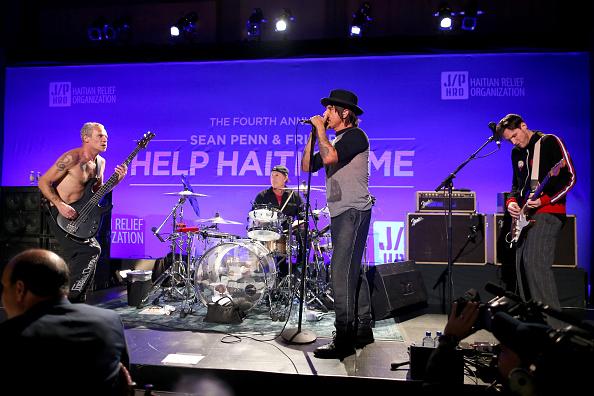 J R Smith「4th Annual Sean Penn & Friends HELP HAITI HOME Gala Benefiting J/P Haitian Relief Organization - Inside」:写真・画像(3)[壁紙.com]
