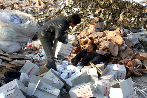 Cancan Chu「Migrant Workers Call Refuse Dump Home」:写真・画像(18)[壁紙.com]
